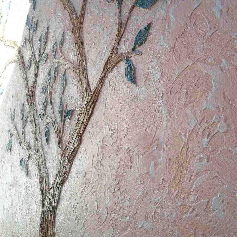 Tencuilă decorativă pentru fațadă la casa cu elemente artistice